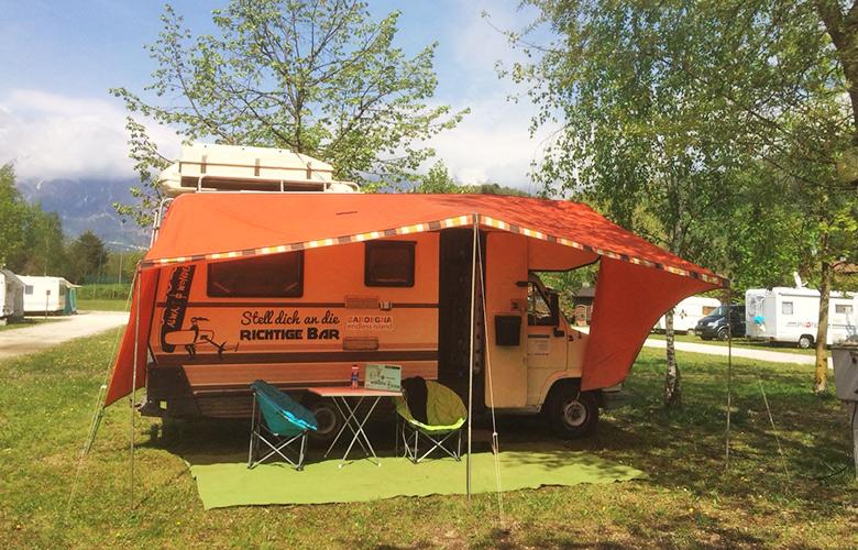 Alles aufgebaut am Campingplatz Sarathei - Lago di Santa Croce