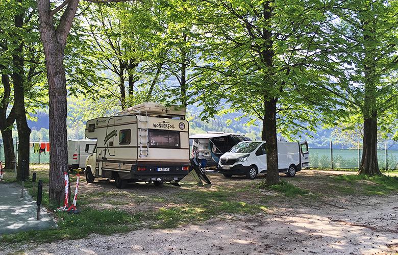 Weiter unten am Campingplatz Sarathei - Lago di Santa Croce