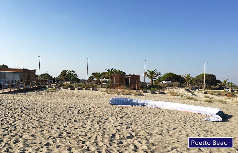 Blick Richtung Parkplatz am Poetto Beach auf Sardinien