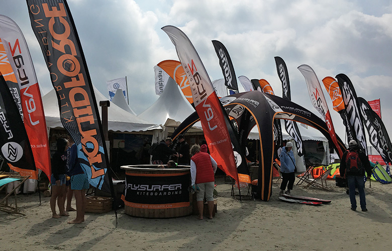Flysurfer und Levitaz Stand bei den Kitesurf Masters St Peter Ording 2017