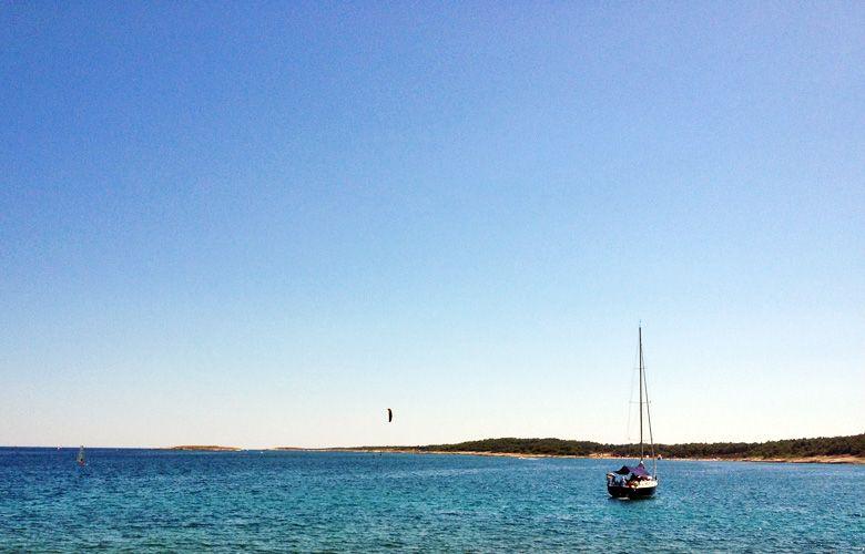 Foilen bei fast keinem Wind mit dem 15er Sonic, Premantura, Kroatien
