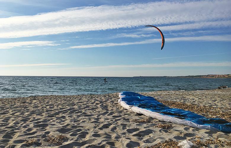 Kitefoiling – Ktespot San Giovanni di Sinis, Sardinien