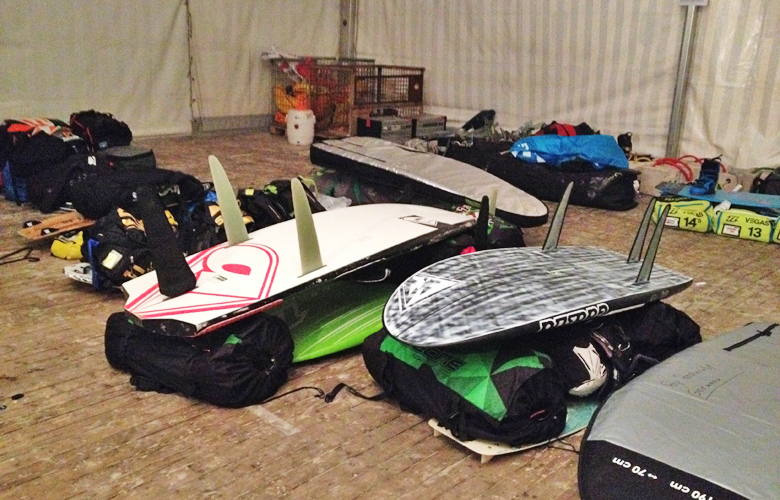 Unser Material im Lager, jetzt kann es losgehen - Kitesurfworldcup St Peter Ording