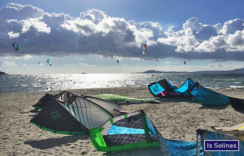 Kitespot Is Solinas, Sardinien, Super Kite- und Foiltag