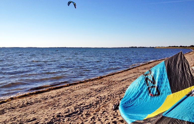 Etwas Wind und letze Kiteversuche am Campingplatz Strukkamp Huk auf Fehmarn
