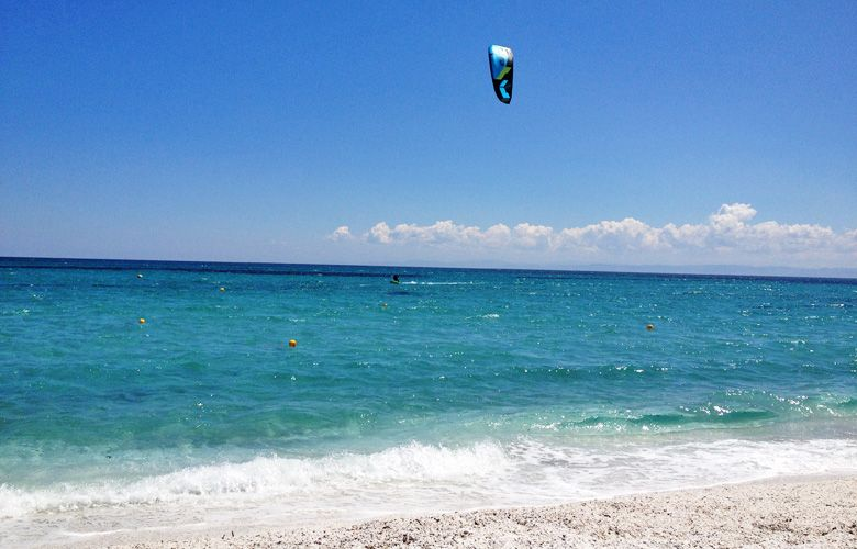 Leichtwind Kitesession am Kitespot von Stintino auf Sardinien