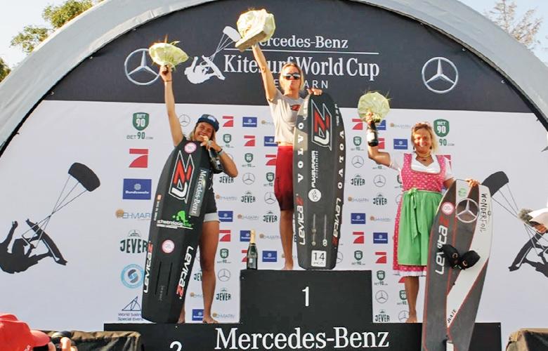 Das Podium der Frauen beim Kitesurfworldcup Fehmarn - Hydrofoil Pro Tour Germany