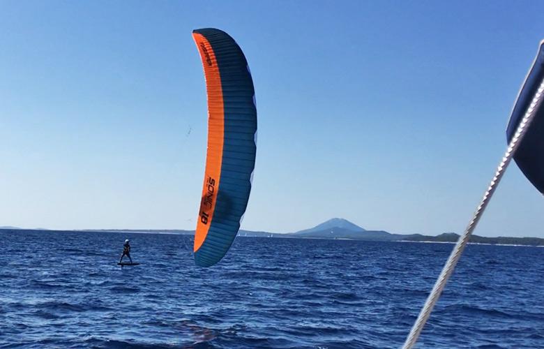 Die einen segeln, die anderen Kitefoilen in Kroatien