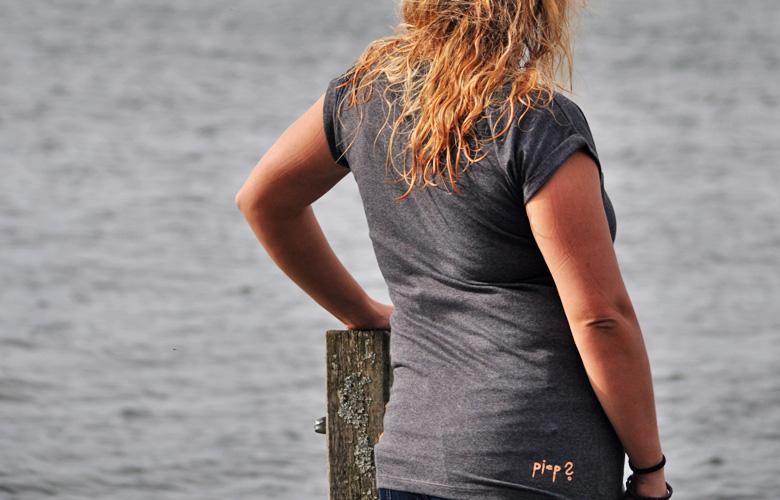 Das Shirt Piep? von Schwerelosigkite – von hinten