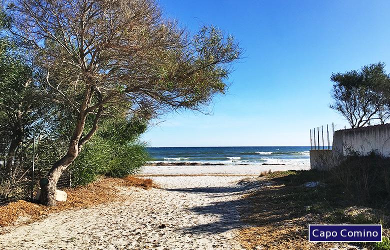 Weg zum Spiaggia di Capo Comino, Sardinien