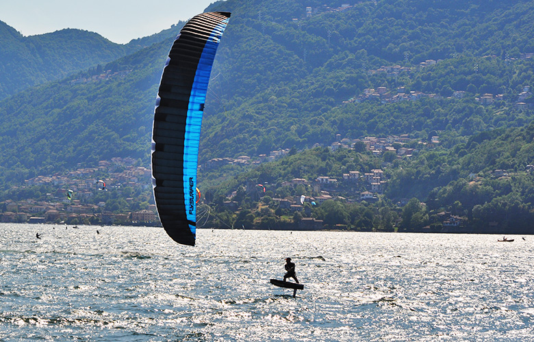 Super Kitefoiltag am Comer See in Italien