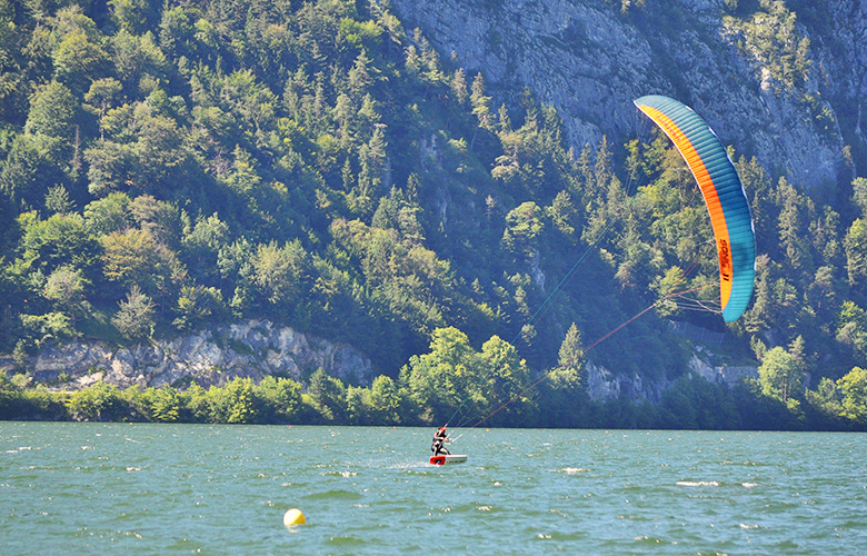 Lakeventure Testival und Kitefoiling am Traunsee in Österreich