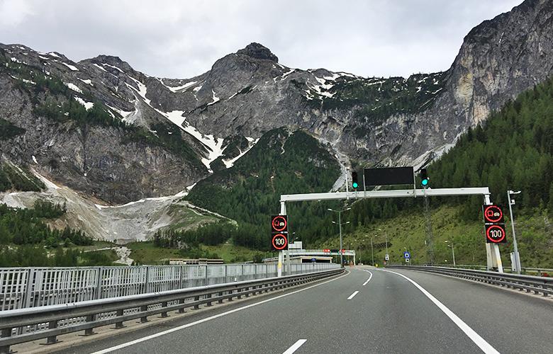 Tauerntunnel Richtung Grado Italien
