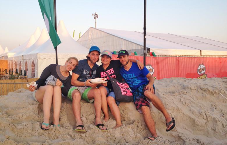 Unsere Caddys und wir Hannes und Sabrina - Kitesurfworldcup St Peter Ording