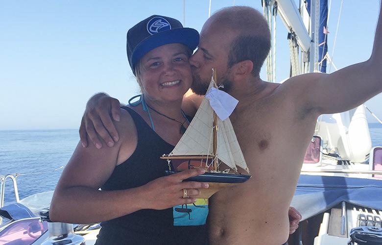 Wir sind verlobt, auf dem Segelboot in Kroatien