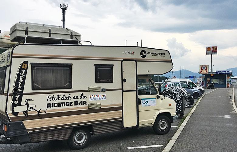 Vignetten Kauf an der österreichischen Grenze auf dem Weg nach Grado, Italien