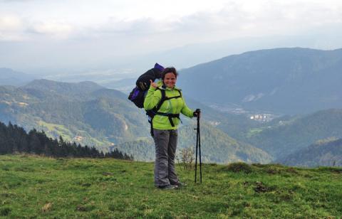 Auf dem Rosenbachsattel mit Blick Richtung Slowenien – 1. Etappe des Panoramaweg Südalpen
