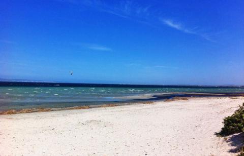 Der Strand südlich von Porto Botte bei Is Solinas